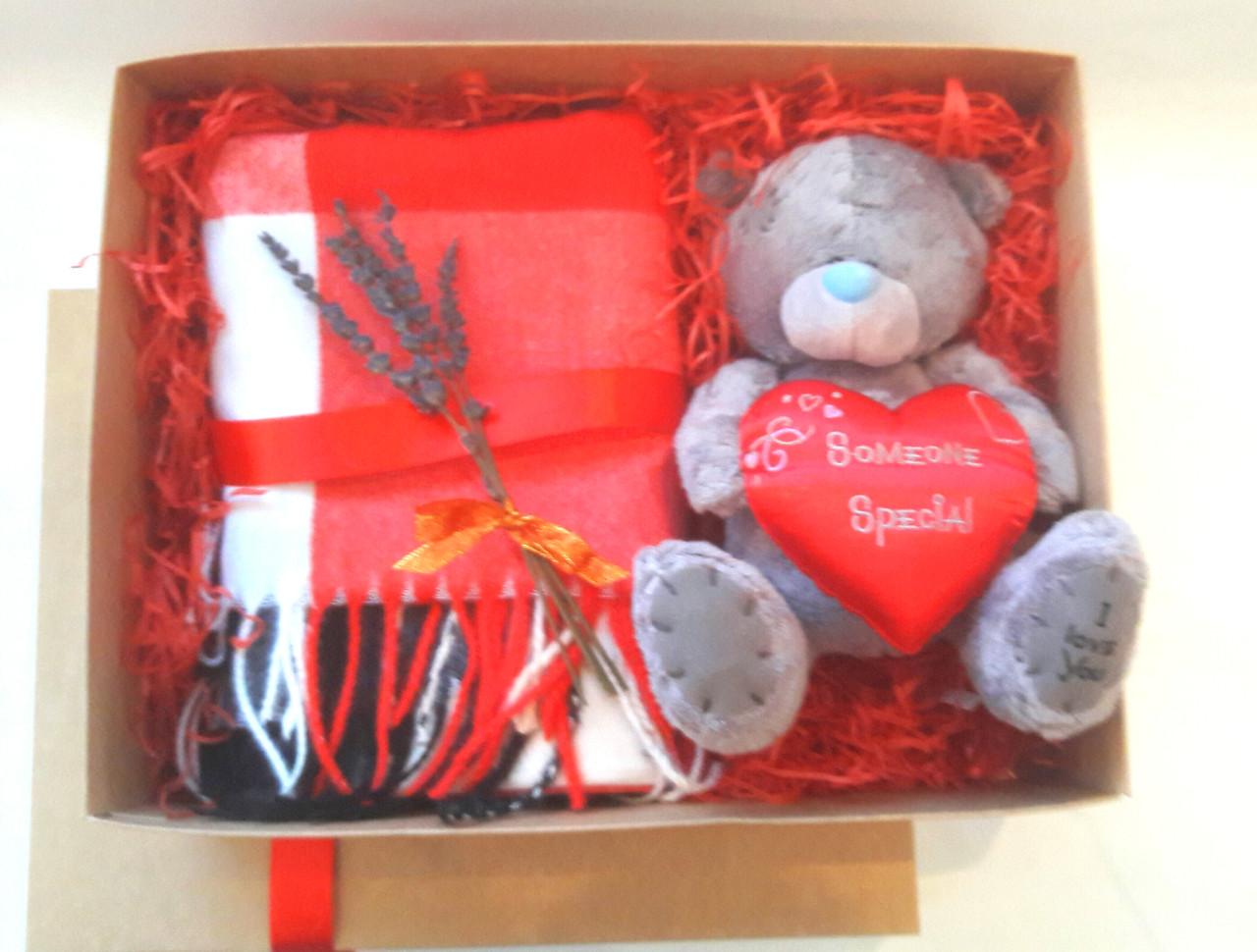 Подарочная коробка для девушки Love
