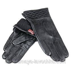Женские кожаные перчатки, черные, подкладка флис.Тиснение ромбы