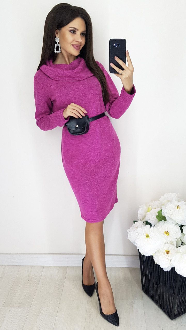 Уютное миди-платье из ангоры с широким капюшоном