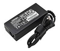 Блок питания RIAS для ноутбука Toshiba TS-744 19V 3.42A 65W 5.5x2.5 c сетевым кабелем (3_6630)