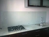 Стеклянная поверхность для кухни