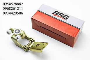 Ролик правой боковой двери средний (с кронштейном) VW LT / Mercedes Sprinter (96-06)  BSG (Турция) 60-975-002
