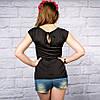 Жіноча футболка трикотажна на чорному фоні, фото 2