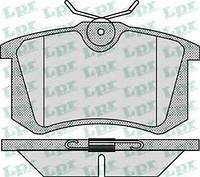 Тормозные колодки задние на Volkswagen VW Caddy 03- сверху усики LPR 05P868