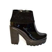 Ботинки стильные женские демисезонные на тракторной подошве, лак натуральный., фото 1