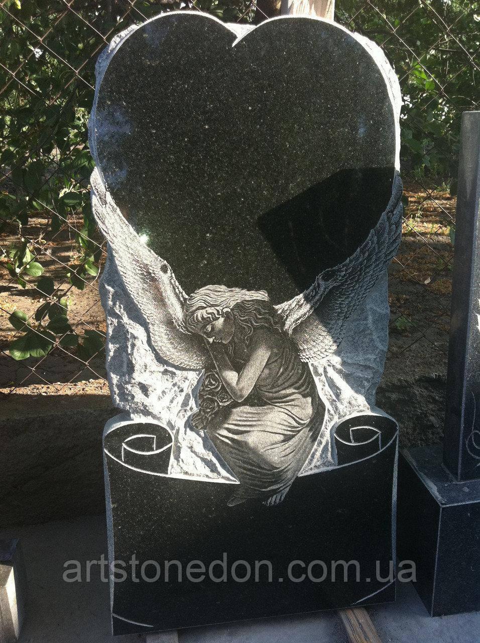 Памятник детский сердечко с ангелом №98