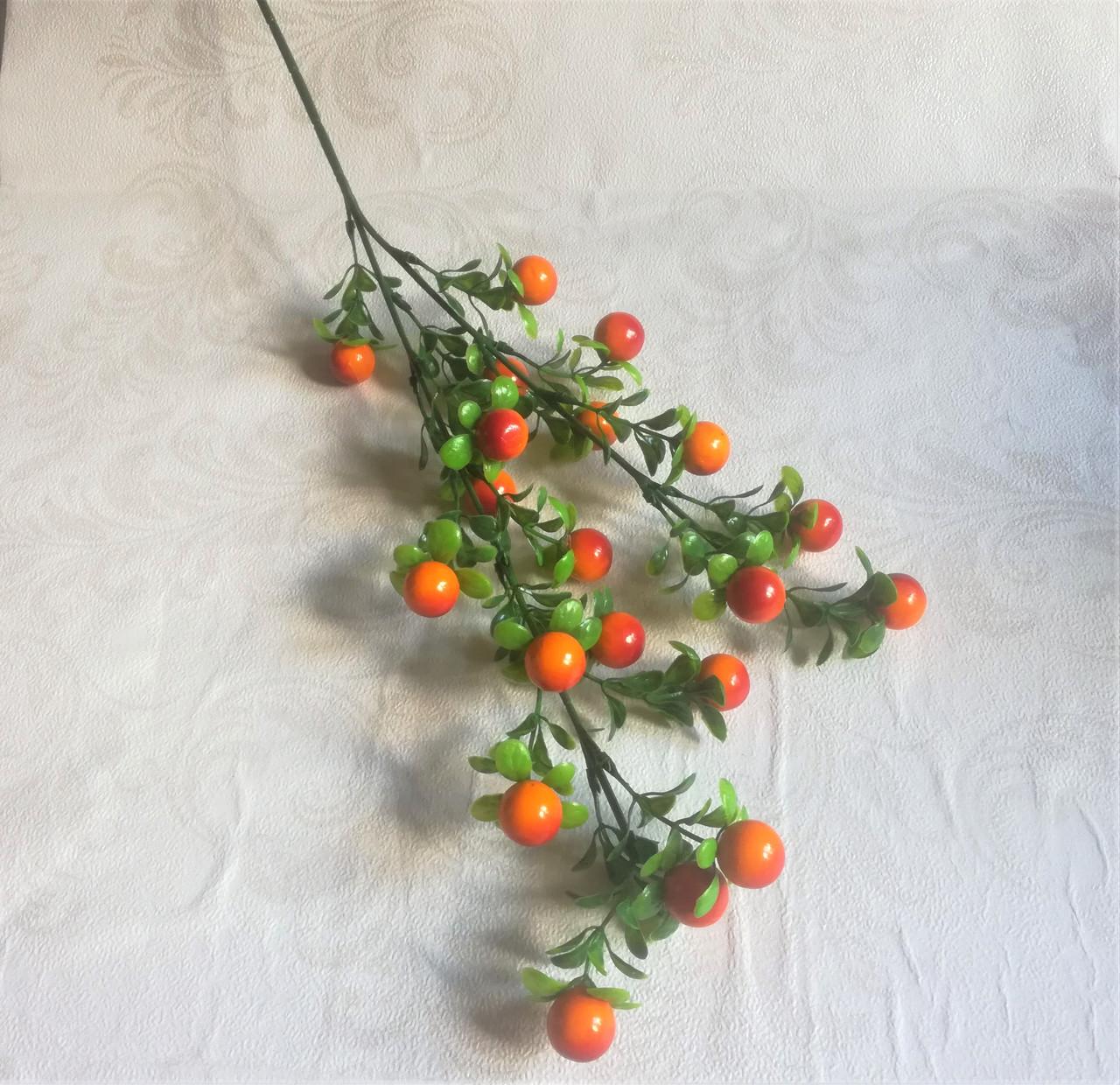 Ветка с ягодами, оранжевая.