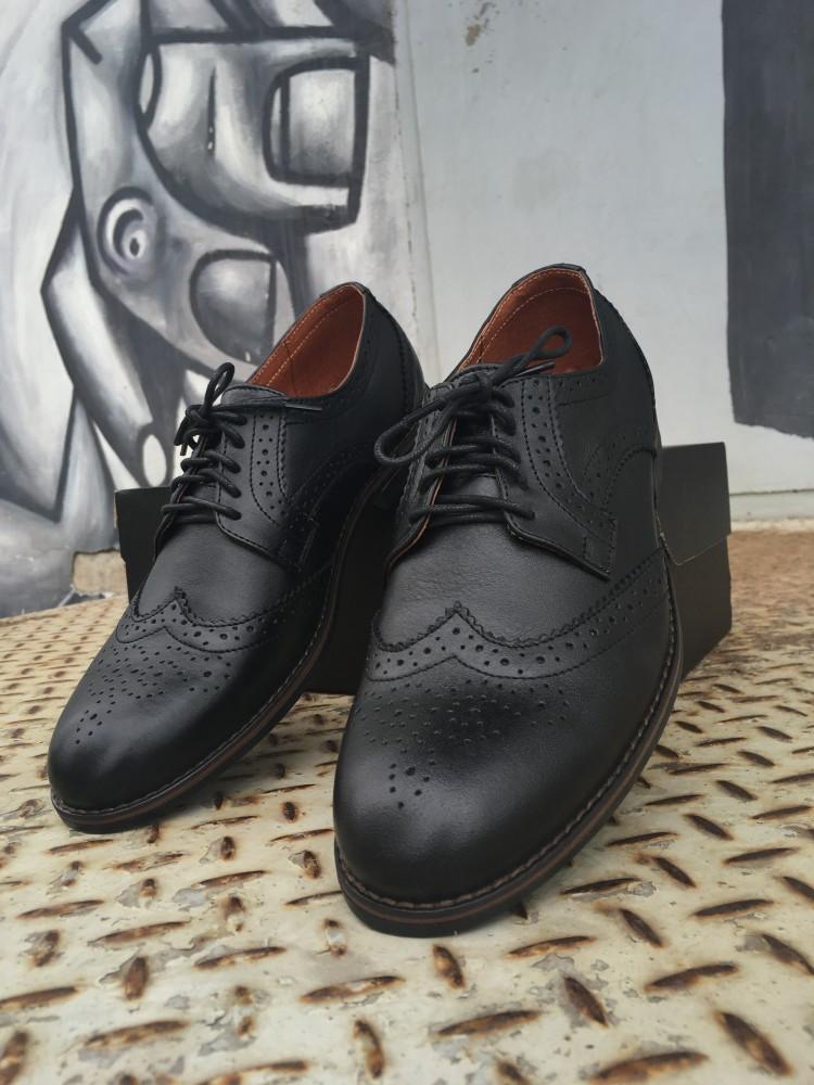 Туфли броги мужские черные кожаные