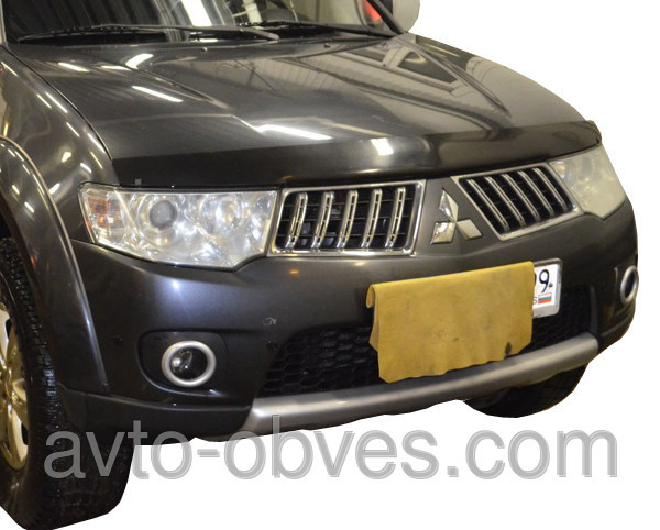 Установка защитного обвеса для Mitsubishi Pajero Sport 2010-