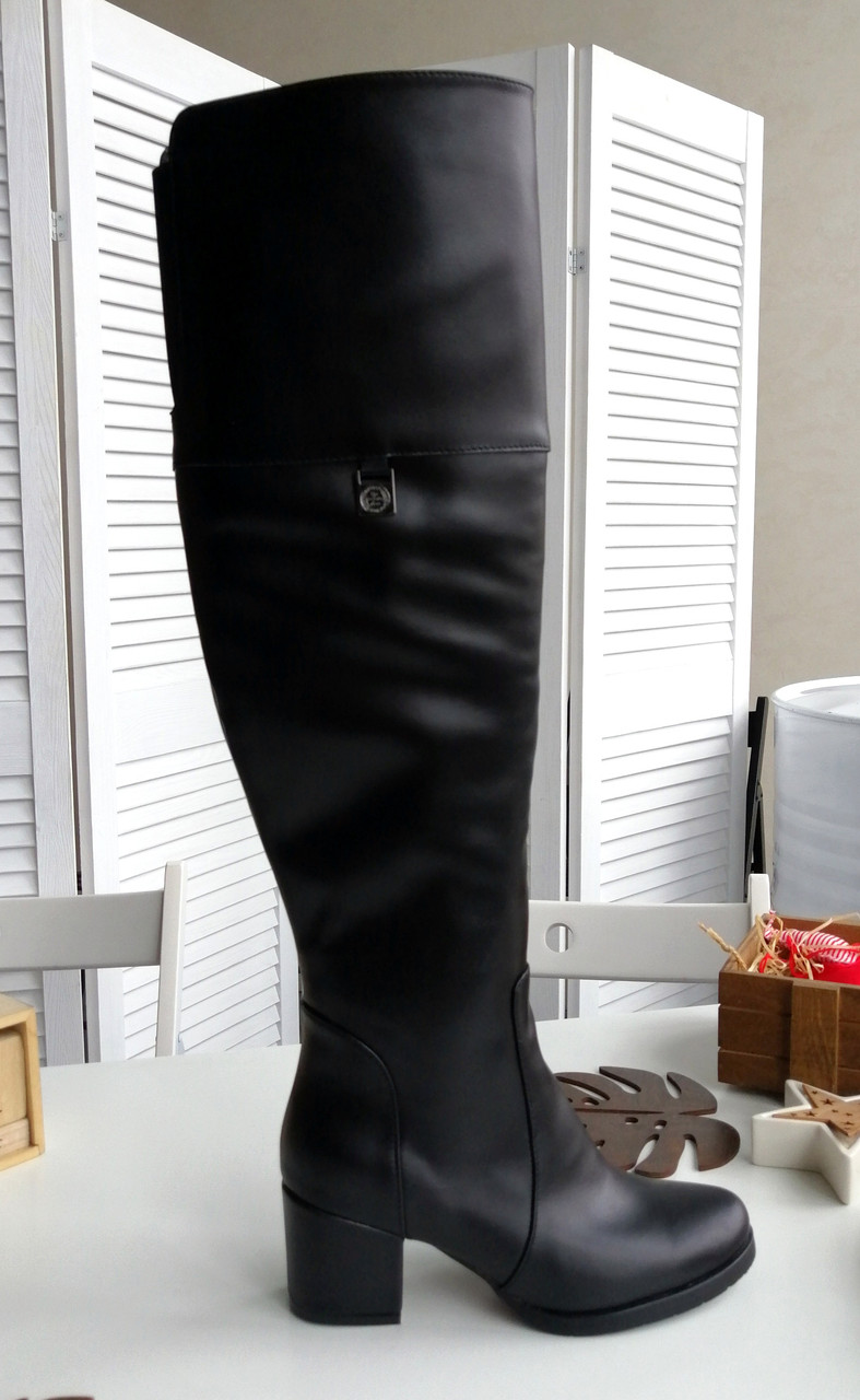 Шкіряні ботфорти з обтяжным каблуком