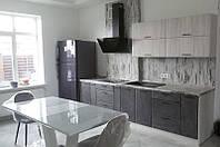 Кухня Хай-Тек 3,10м + 1,20м пеналы (дуб беленый + мрамор темный)