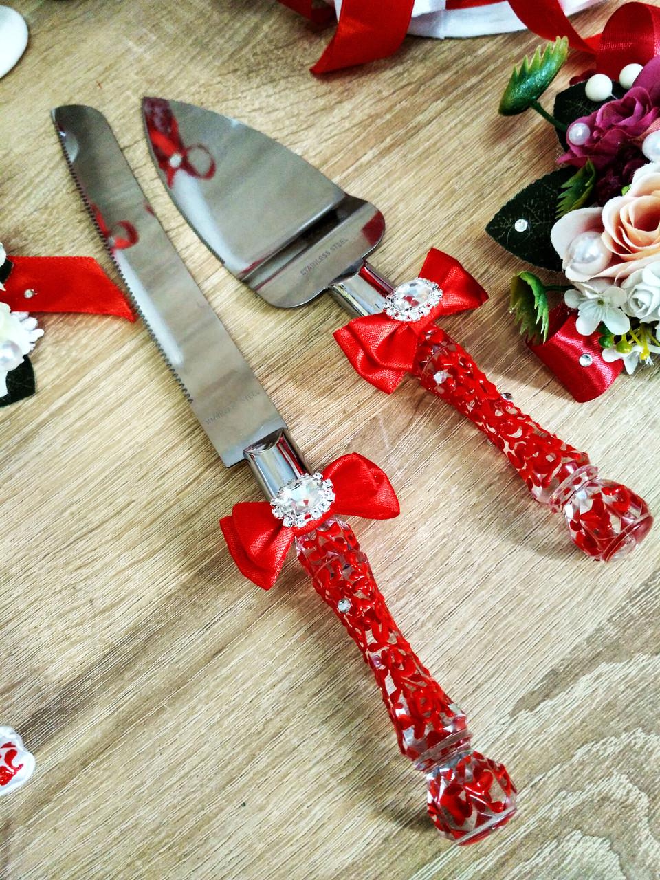 Нож и лопатка для свадебного торта Brooch (красные)