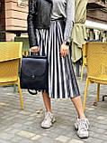 Сумка-рюкзак трансформер 45904 жіноча чорна молодіжна через плече, рюкзак на клямці, фото 2