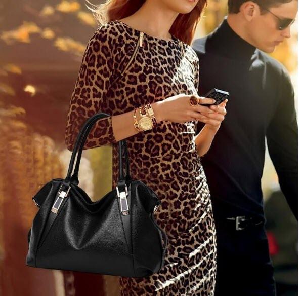 Элегантная женская сумка хобо