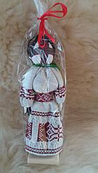 Лялька-мотанка у вишитому одязі