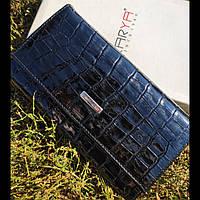 Лаковий чорний шкіряний гаманець з фактурою під крокодила  KARYA