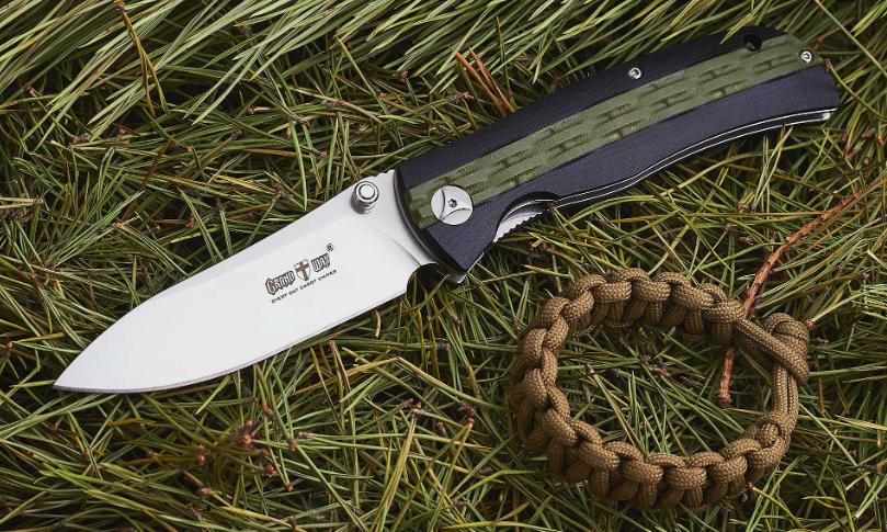Нож складной, с накладки рукояти из композитного материала G-10, с шероховатыми двухцветными накладками