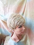 Короткий парик из термоволокна блонд омбре Е-9318-27ТТ613/С, фото 7