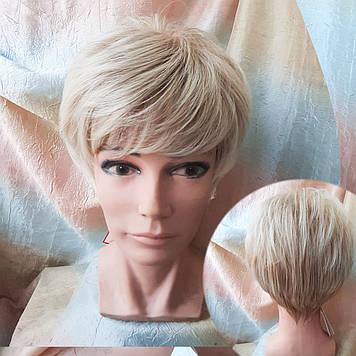 Короткий парик из термоволокна блонд омбре Е-9318-27ТТ613/С