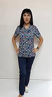 Женский медицинский костюм принт Котята на синем