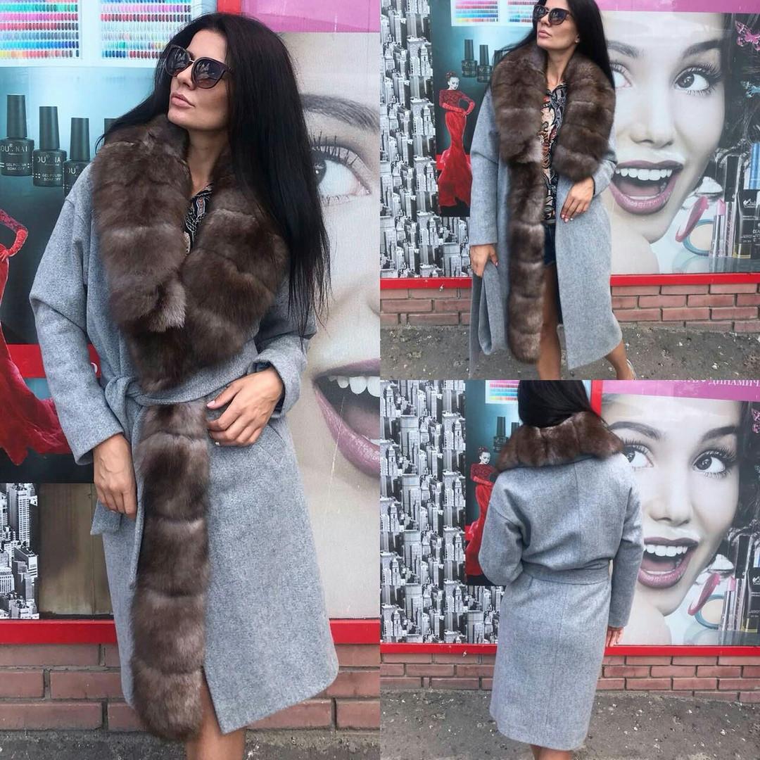 Пальто натуральное с мехом финского песца