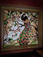Витраж «Павлин» из художественного стекла в технике Тиффани