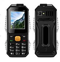 Противоударный кнопочный телефон land rover s15 mini влаго и пыле защищенный