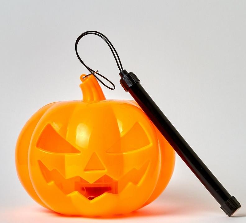 Тыква светящаяся с ручкой маленькая Хэллоуин Halloween