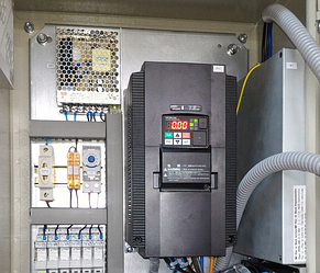 Система управления механизмом поворота театральной сцены на базе преобразователя частоты Hitachi. 6