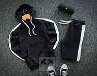 Спортивный костюм теплый на флисе черного цвета с лампасами