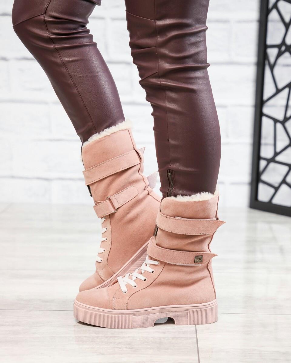 Зимние ботинки женские  с лейбой цвета пудры