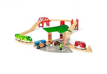 BRIO Набор железной дороги с автовокзалом и мостами 33627