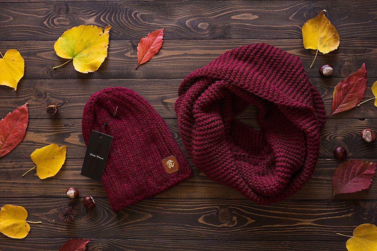 Женский вязаный набор: шапка и шарф хомут,бордового цвета