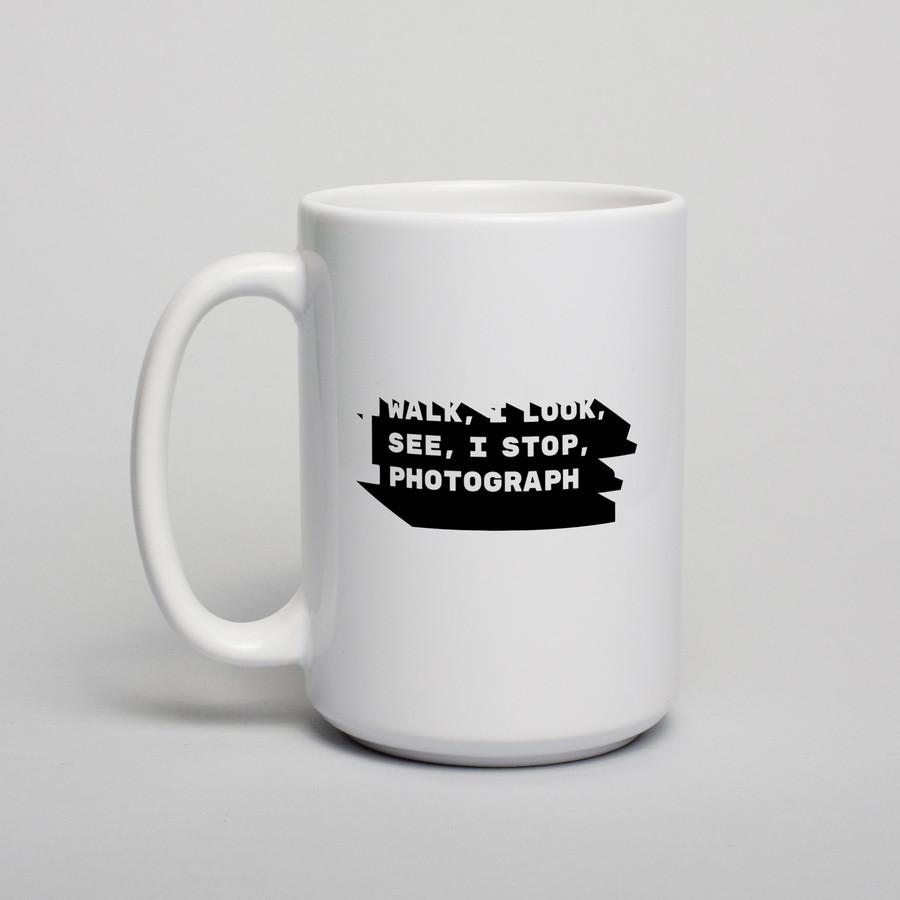 """Подарочная кружка для чая с надписью """"I walk, I look, I see, I stop, I photograph"""", 330 мл керамическая"""