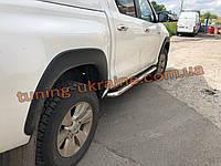 Пороги площадки нержавейка D60 на Toyota Hilux 2015-2019 Боковые пороги площадки на Тойота Хайлюкс 2015-2019