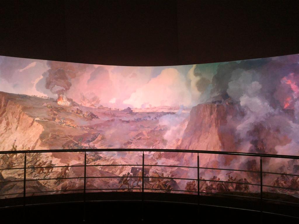 Система управления механизмами подъема экрана диарамы музея на базе 3-х преобразователей частоты Hitachi.