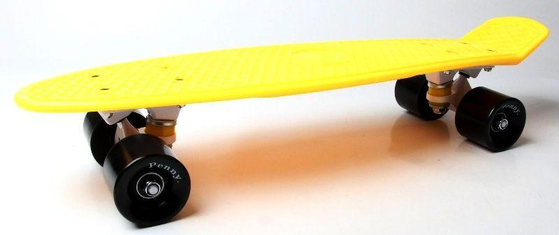 Penny Board. Желтый цвет. Черные колеса.