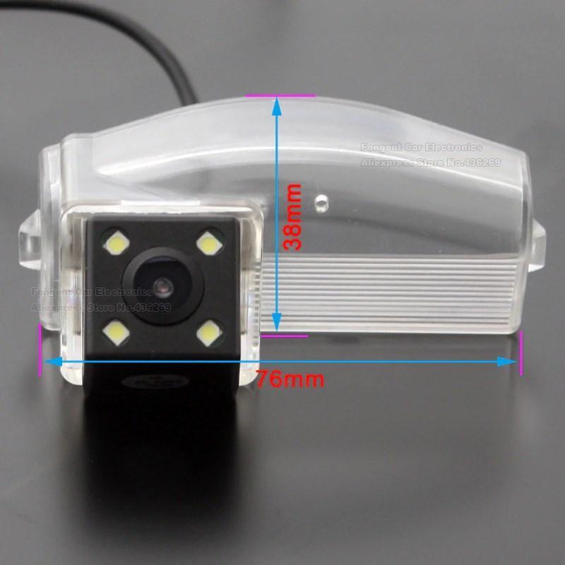 Камера заднего вида универсальная Mazda 2 (2011-2013) / Mazda 3 (2004-2013) / Mazda 3 Спорт цветная матриц CCD