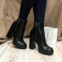 Ботинки женские на каблуке деми черные AV0130