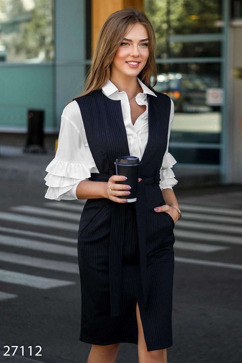 Лаконичный сарафан в деловом стиле глубокий вырез спереди цвет черный