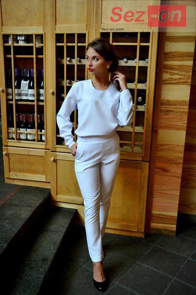 Костюм жіночий штани і вільна кофта ― Білий