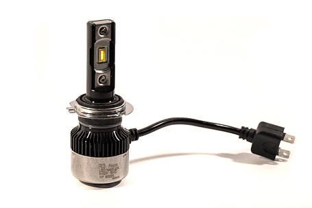 Комплект LED ламп HeadLight FocusV H11 (PGJ19-2) 40W 12V с активным охлаждением, фото 2