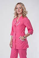 Качественный женский медицинский костюм в розовом цвете на пуговицах