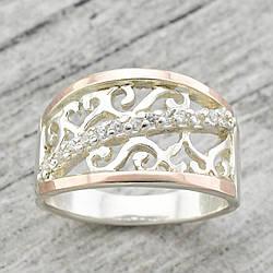"""Серебряное кольцо с золотыми пластинами """"Зарина"""", вставка белые фианиты, вес 4.85 г, размер 21"""