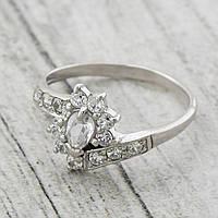 Серебряное кольцо Графиня вставка белые фианиты вес 1.72 г размер 18