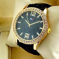 Женские кварцевые наручные часы Tommy Hilfiger T70 на черном кожаном ремешке, черный циферблат