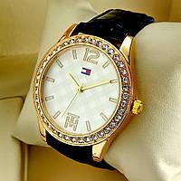 Женские кварцевые наручные часы Tommy Hilfiger T70 на черном кожаном ремешке, золотой циферблат