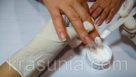 Использование акриловой пудры для укрепления ногтей