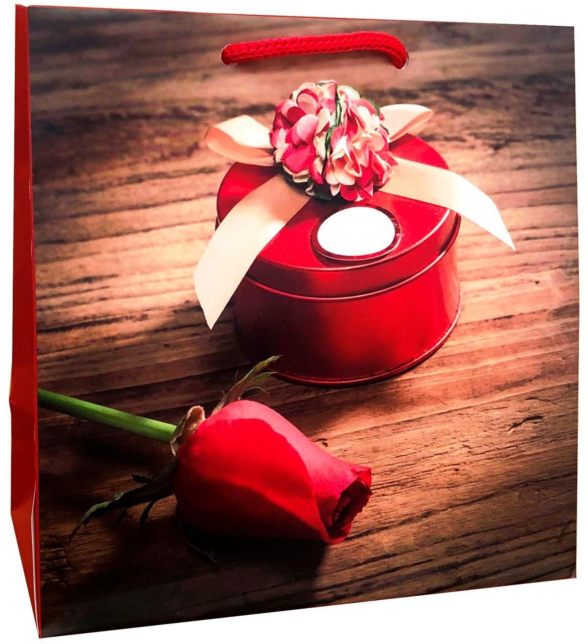 Пакет бумажный подарочный под чашку 16*16см W0-9