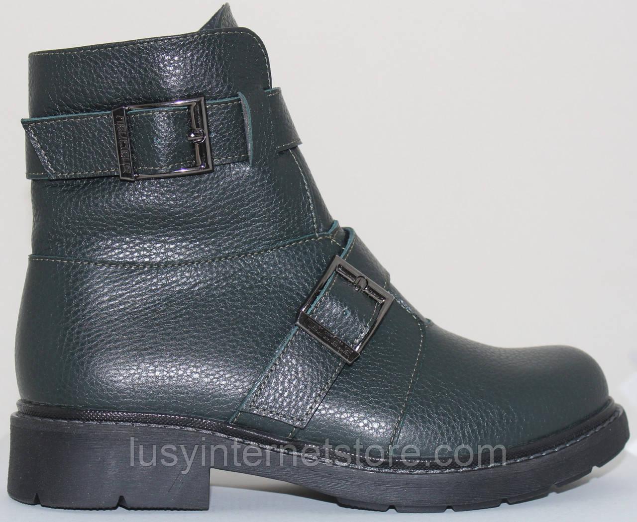 Ботинки женские зимние кожаные на низком каблуке от производителя модель СВ956